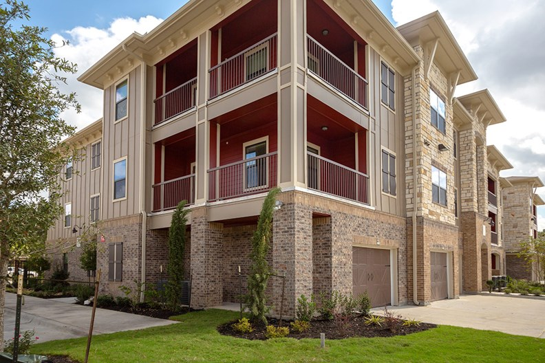 Sovereign Spring Cypress Apartments