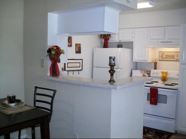 Kitchen at Listing #139057