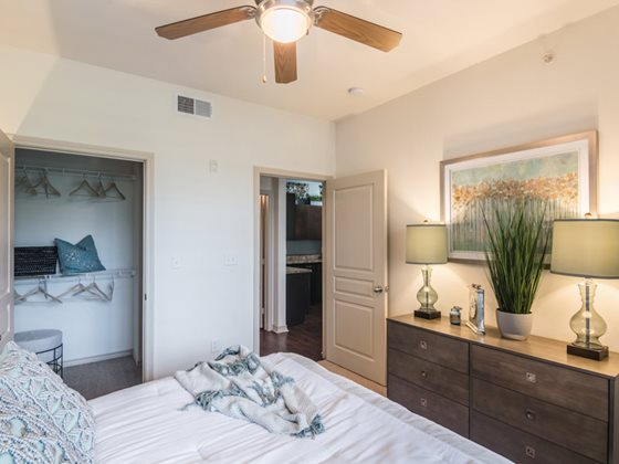 Bedroom at Listing #147449