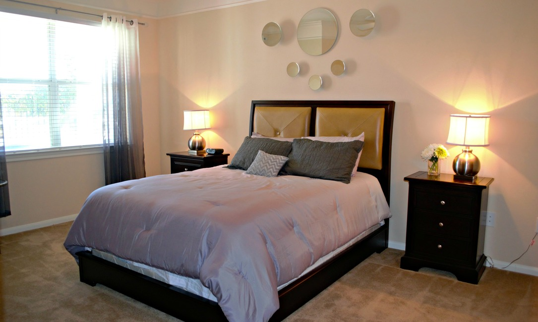 Bedroom at Listing #144655