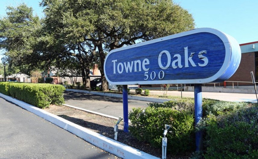 Towne Oaks I Apartments