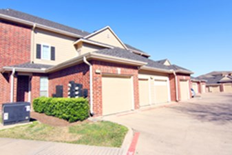 Exterior at Listing #140136