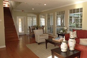 Lounge at Listing #138320