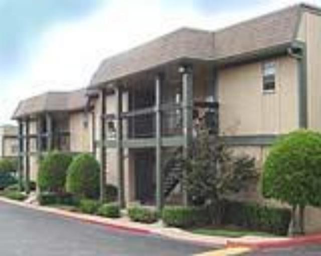 Autumn Creek Apartments , TX