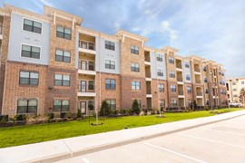 Cortland Spring Plaza Apartments Spring TX