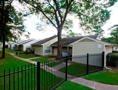 Forest Green Townhouses at Listing #215012