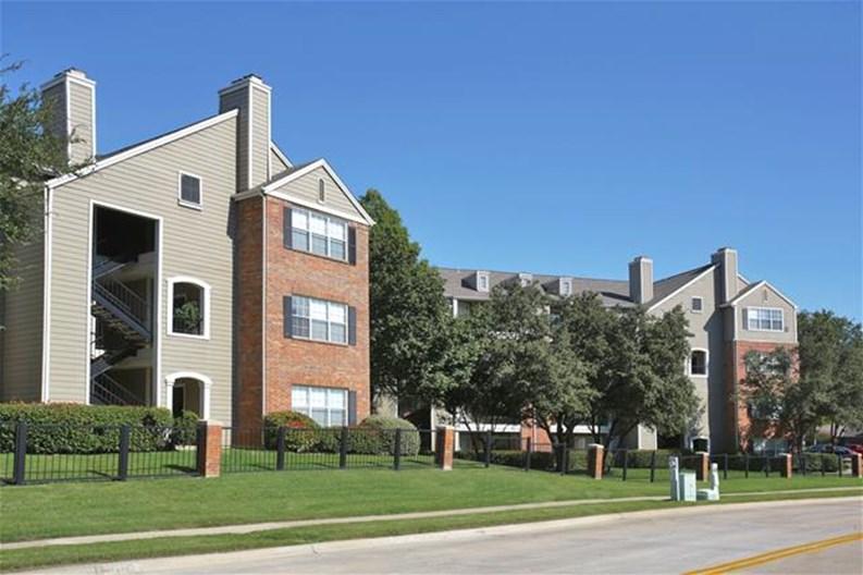 MacArthur Ridge Apartments