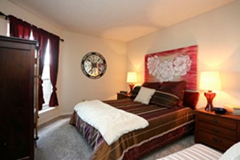 Bedroom at Listing #136425