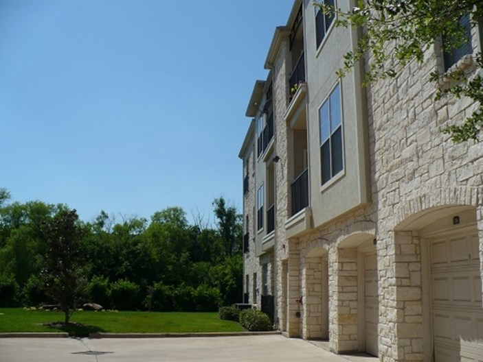 Spicewood Crossing Apartments