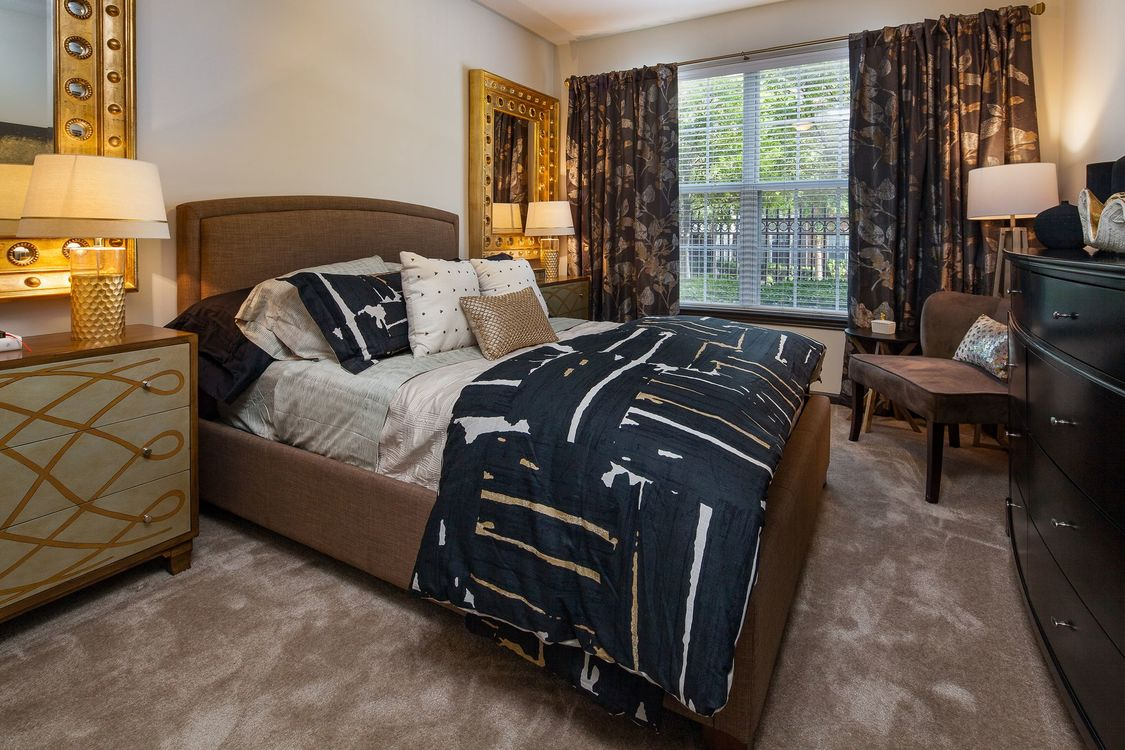 Bedroom at Listing #138184