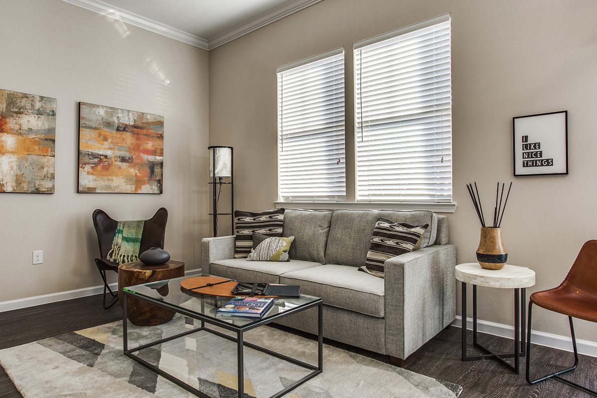 Living at Listing #280219