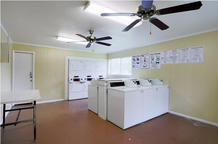 Laundry at Listing #139148