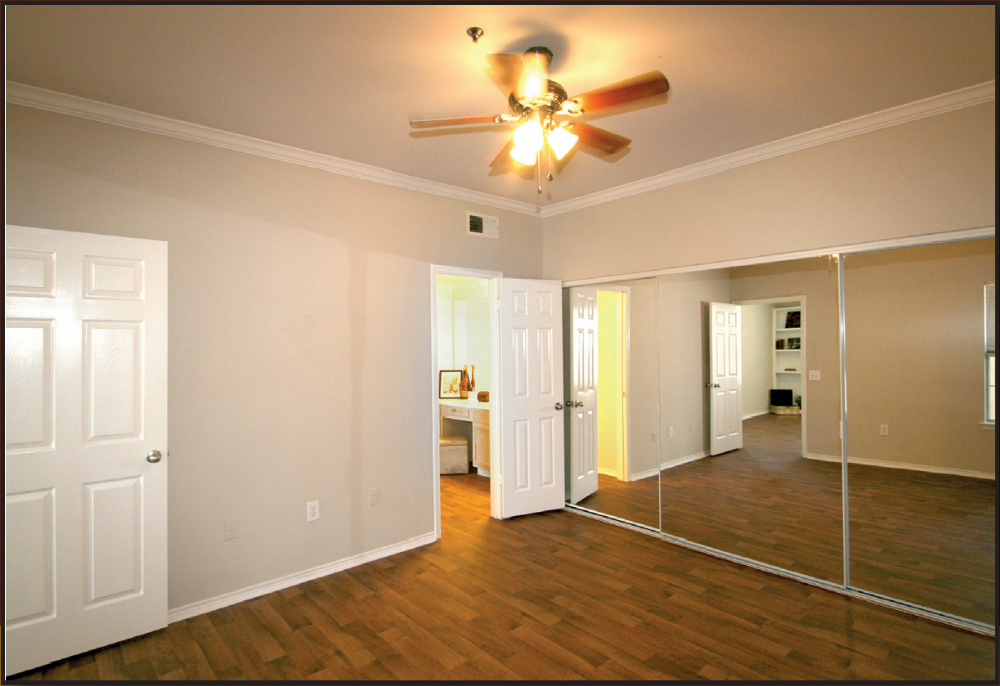 Bedroom at Listing #136069