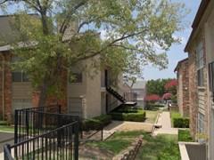 Hunters Court Apartments Dallas TX