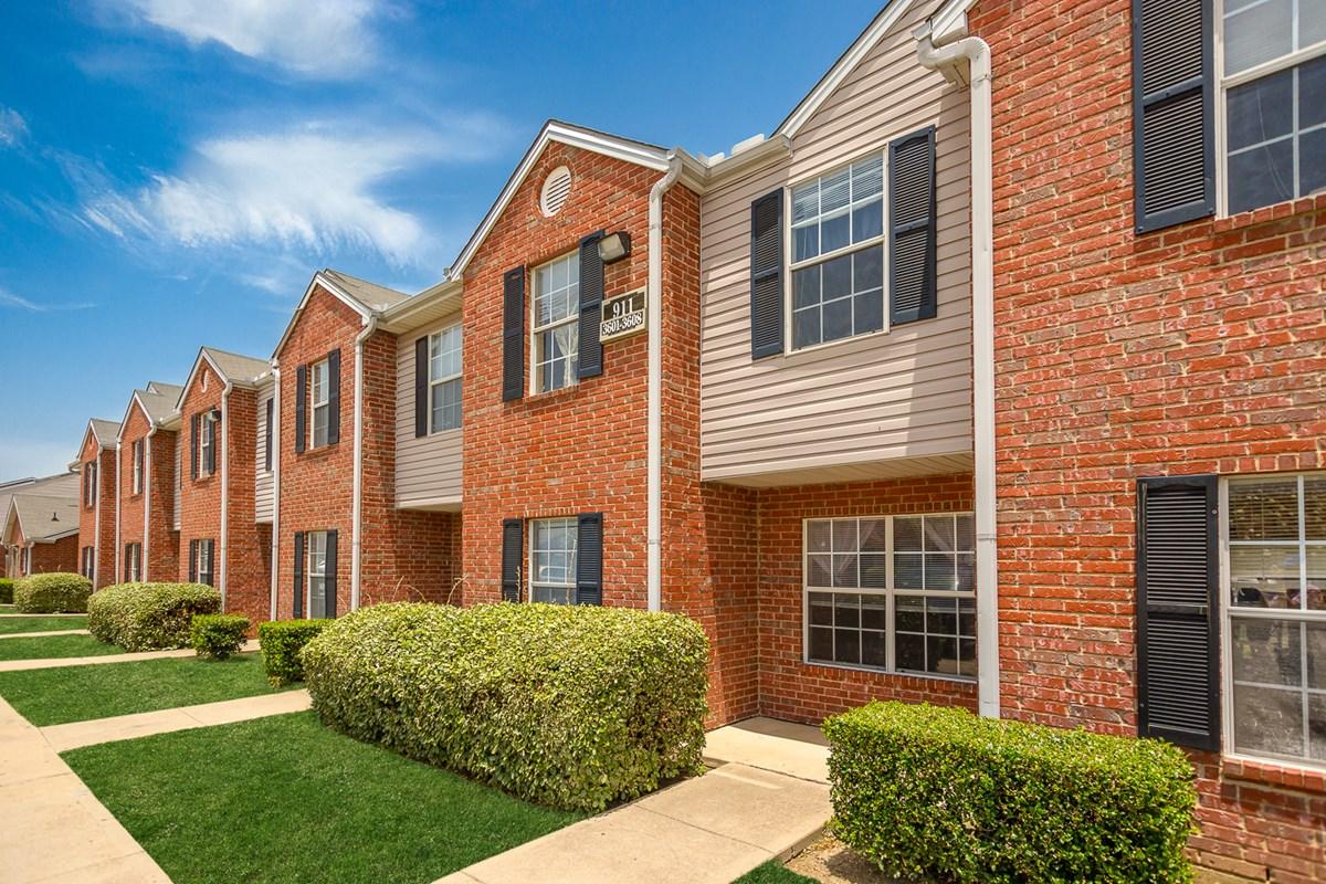 Parkland Pointe Apartments Arlington TX