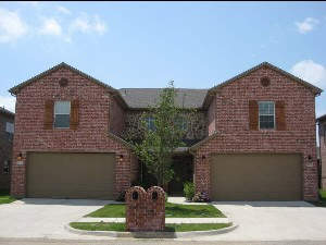 Exterior 1 at Listing #145155