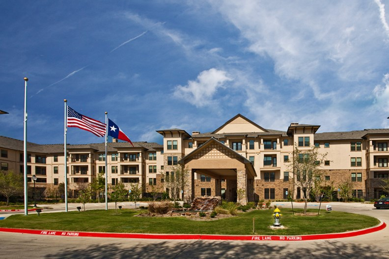 Lakeview at Josey Ranch Apartments