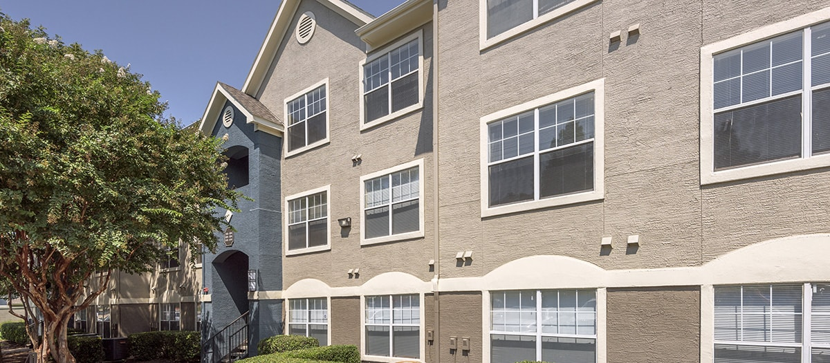Exterior at Listing #137941