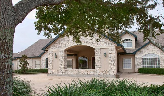 Carriage Inn Apartments , TX