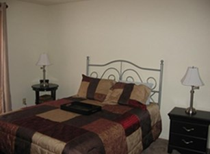 Bedroom at Listing #139961