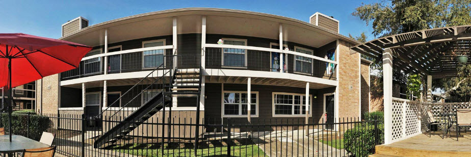 Exterior at Listing #140074