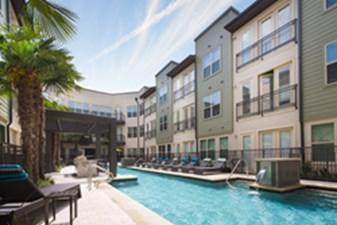 Pool at Listing #283274