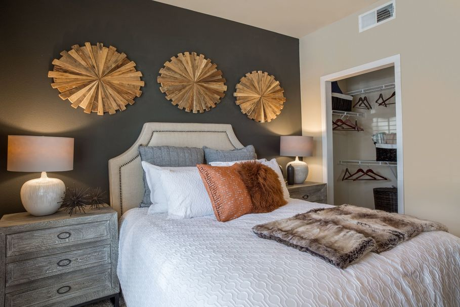Bedroom at Listing #147844