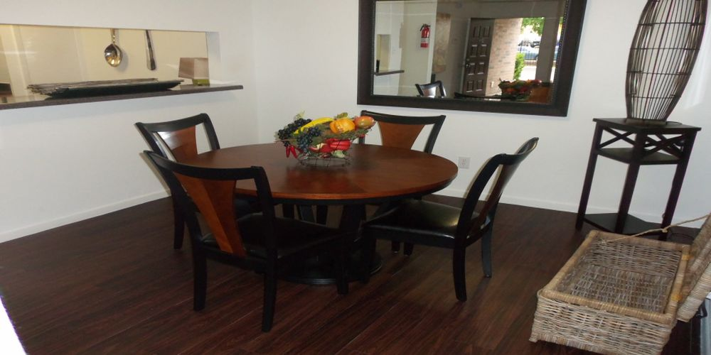Dining at Listing #138655