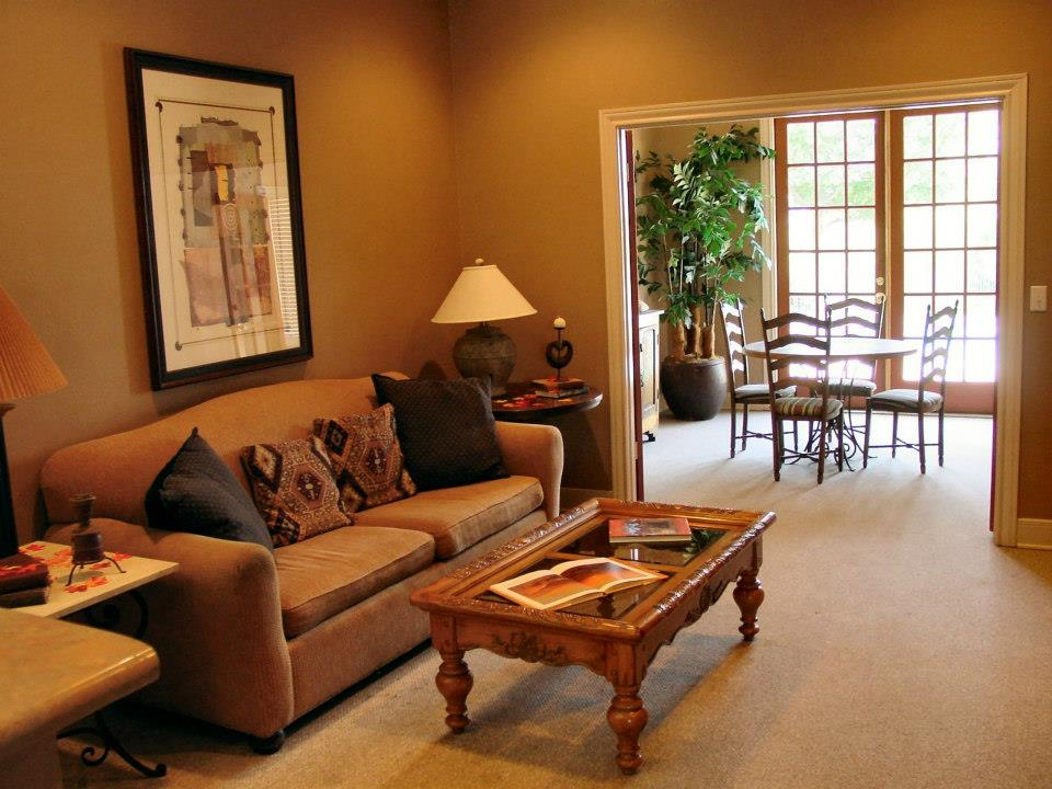 Living/Dining at Listing #137580