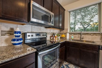 Kitchen at Listing #301337