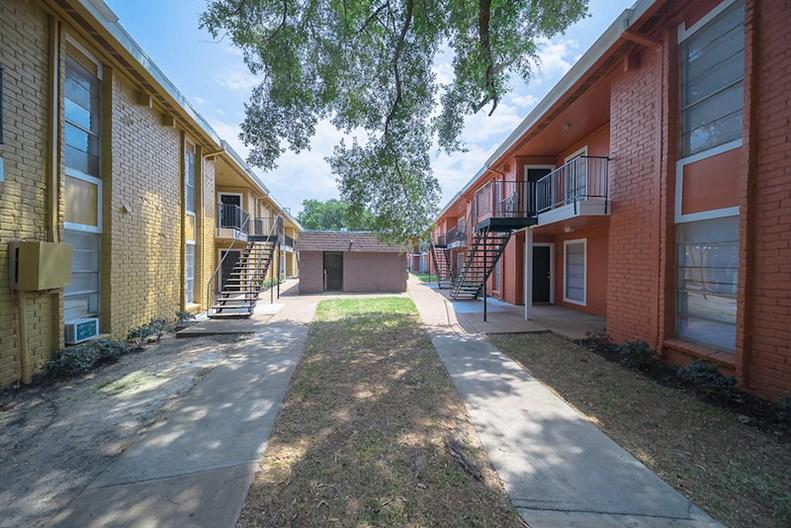 Veranda Village Apartments