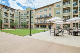 Arlington Commons-Roosevelt at Listing #243485