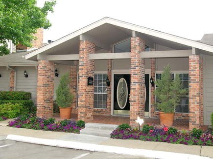 Exterior 6 at Listing #136088