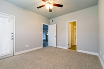 Bedroom at Listing #145718