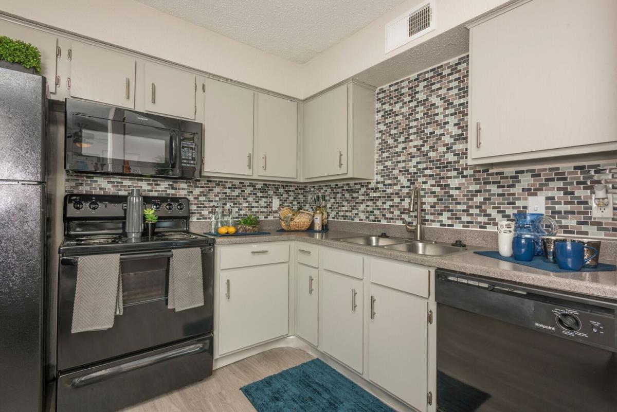 Kitchen at Listing #136158