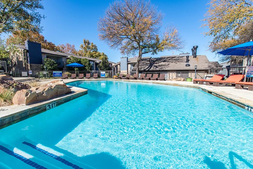 Pool at Listing #137070