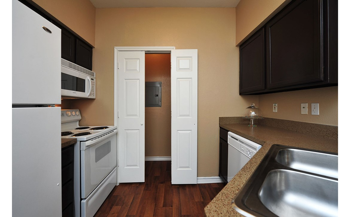 Kitchen at Listing #138014