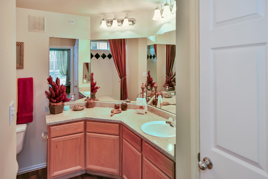 Bathroom at Listing #137820