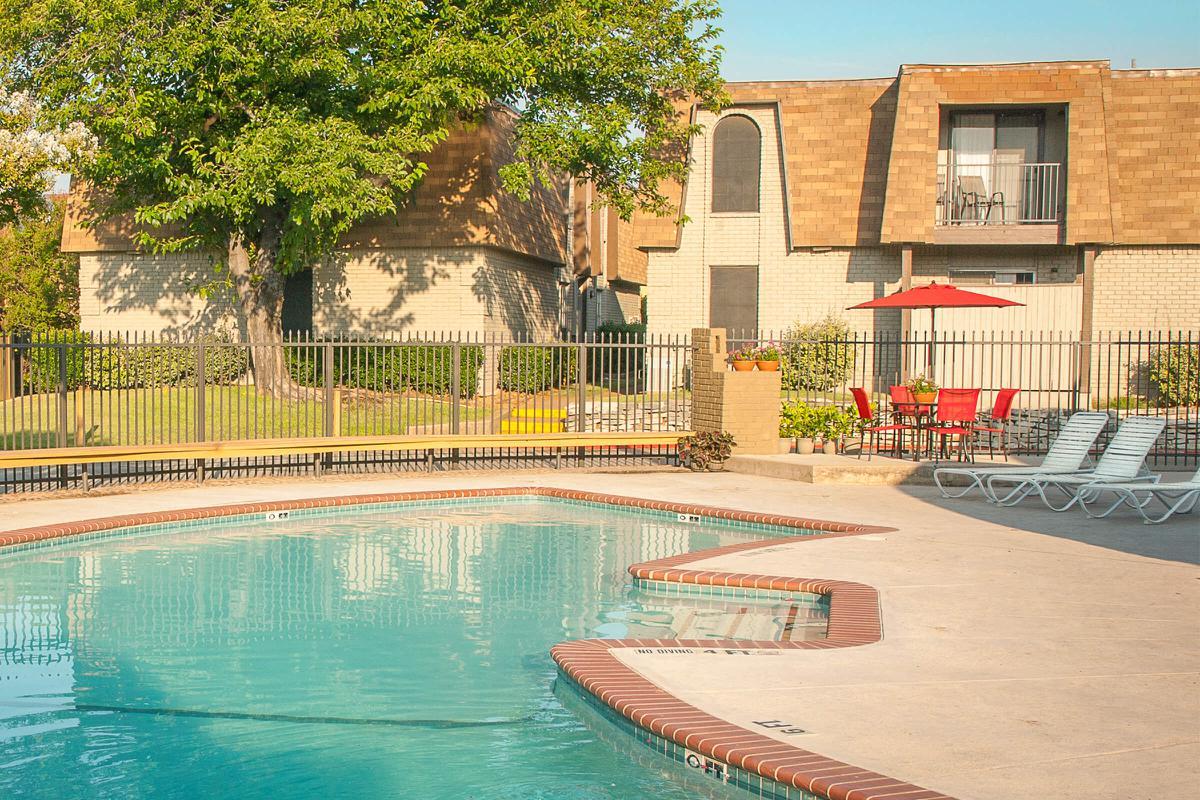 Pool at Listing #136924