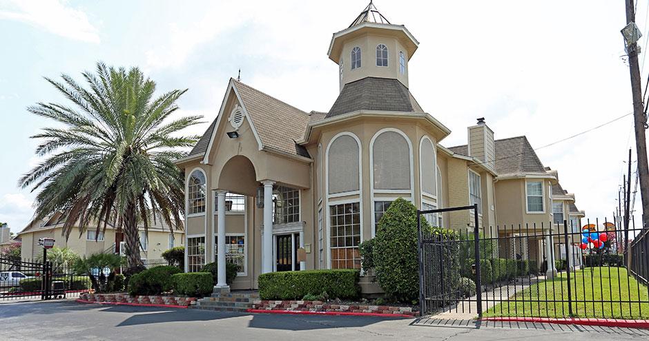 Vineyard Trace Apartments Houston TX