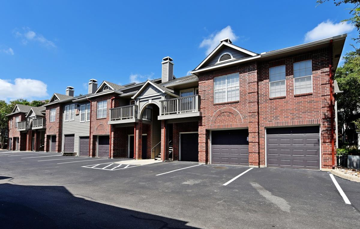 Exterior at Listing #141311