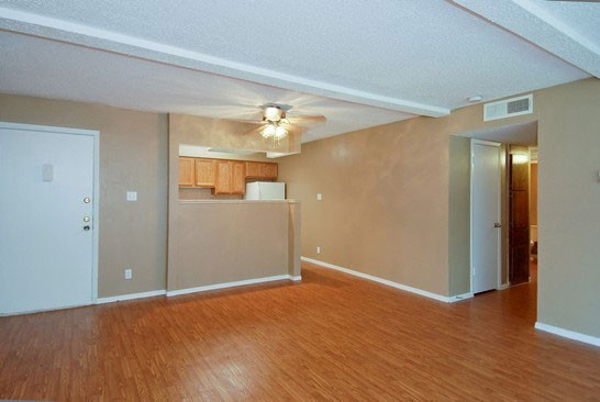 Living at Listing #140340
