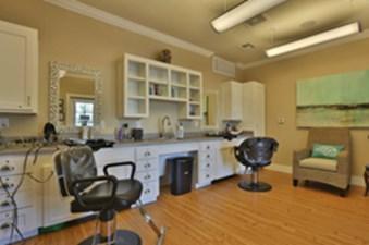 Salon at Listing #249896