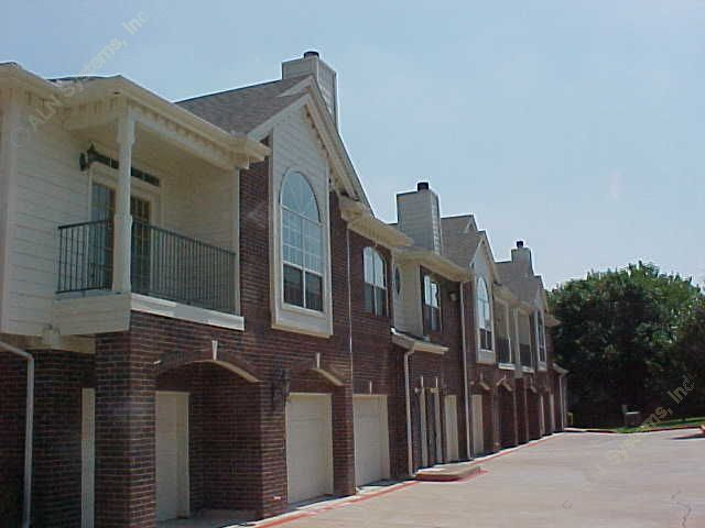 Side View #2 at Listing #137645