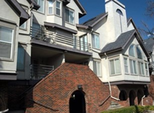 Exterior at Listing #135889