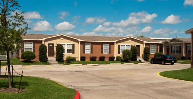 Exterior at Listing #144503