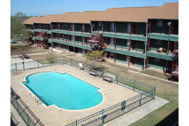 Regency Manor Apartments Camino Real TX