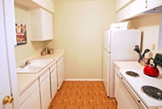 Kitchen at Listing #139367
