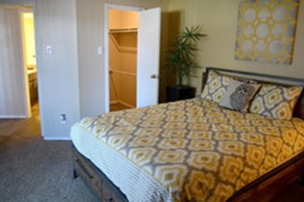 Bedroom at Listing #135935