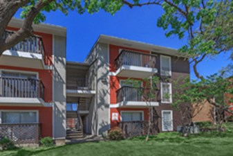 Exterior at Listing #135933